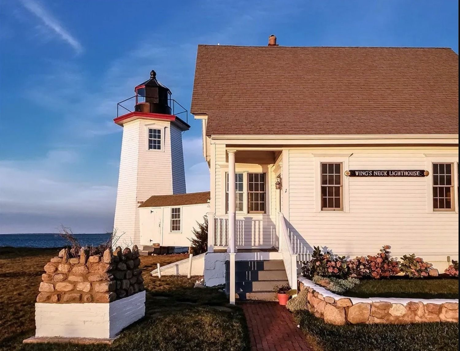 Wings Neck Lighthouse, Massachusetts, lighthouses in New England to stay the night in