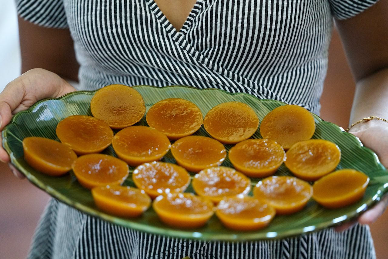 Kutsinta steamed rice cake, Filipino desserts