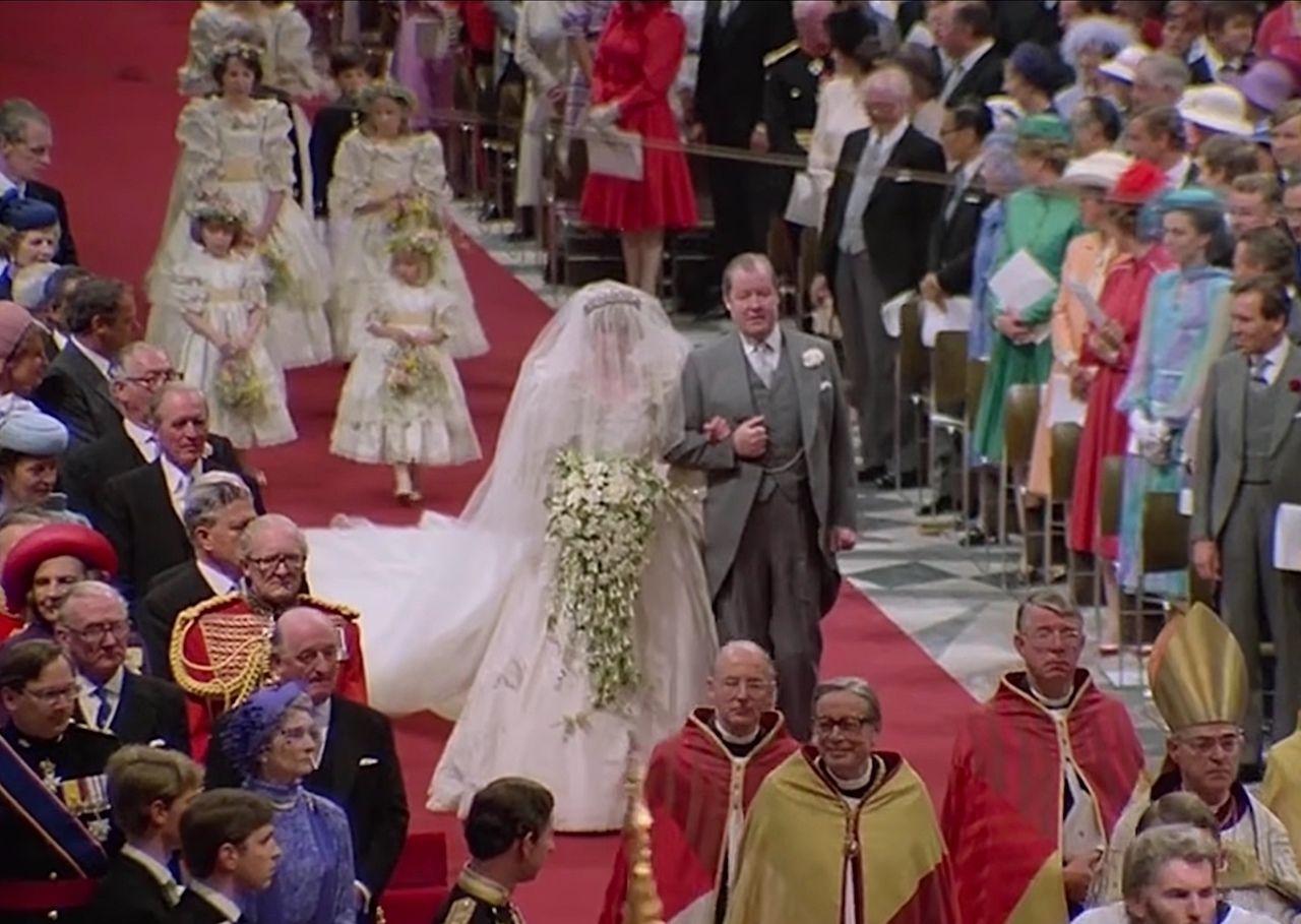 Princess Diana wedding dress