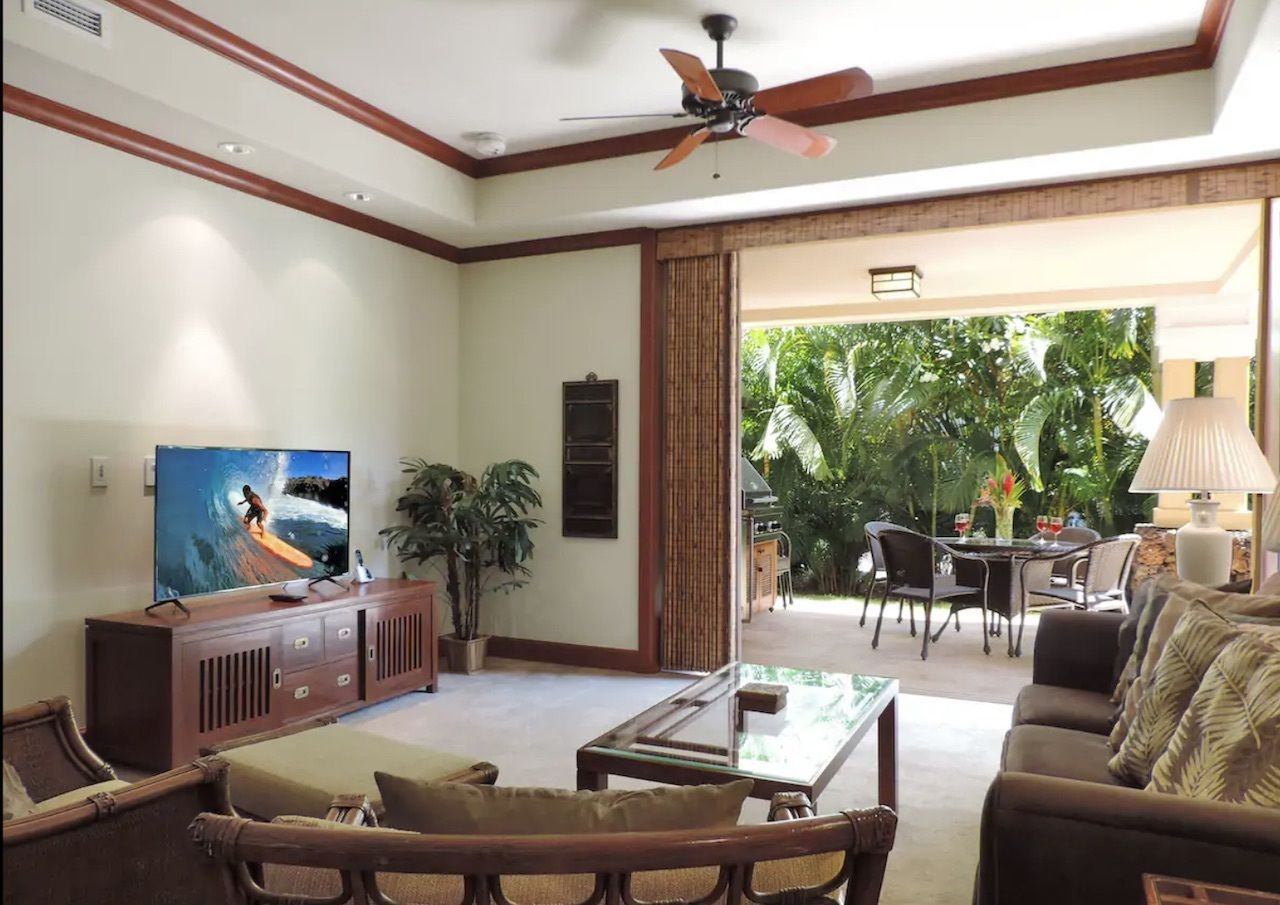 beachfront villa above Waikoloa Beach, best airbnbs on the big islands