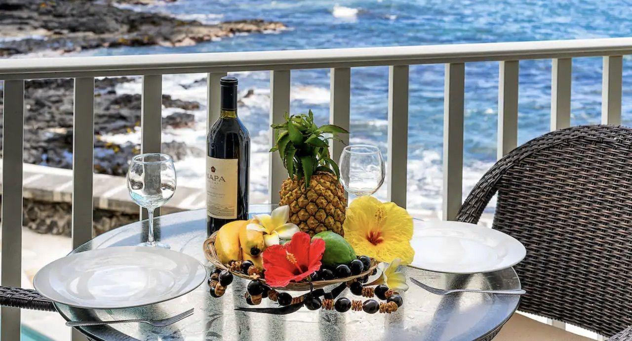 renovated ocean front apartment in kona, best airbnbs on the island