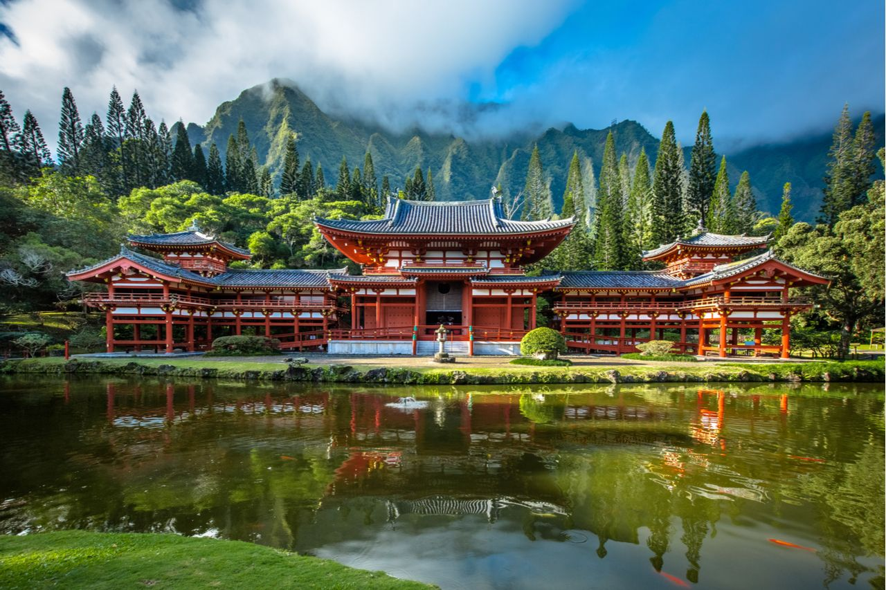 Byodo-In Temple in Valley of the Temples, best views in Oahu