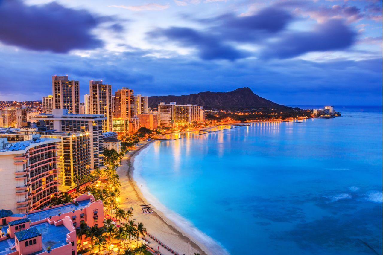 Honolulu, Hawaii. Skyline of Honolulu, Diamond Head volcano including the hotels and buildings on Waikiki Beach., best views in Oahu