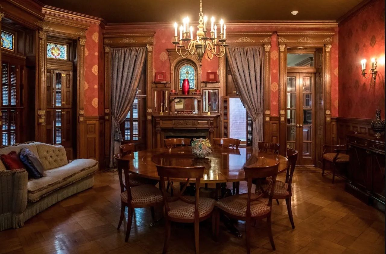 Airbnb Lists The Royal Tenenbaums House - Dining room, The Royal Tenenbaums mansion