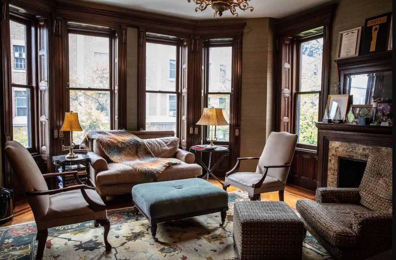 Airbnb Lists The Royal Tenenbaums House - sitting room, The Royal Tenenbaums mansion