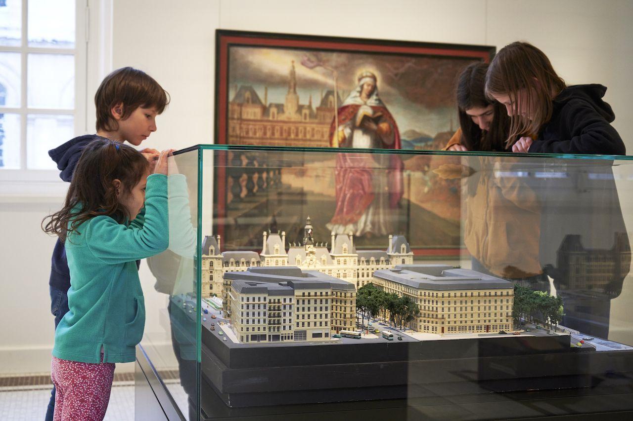 Introduction room Musee Carnavalet Histoire de Paris