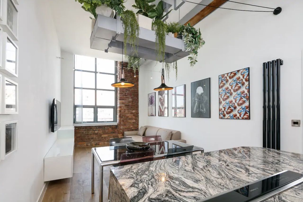 Luxe New York boutique apartment, best airbnbs in Manchester
