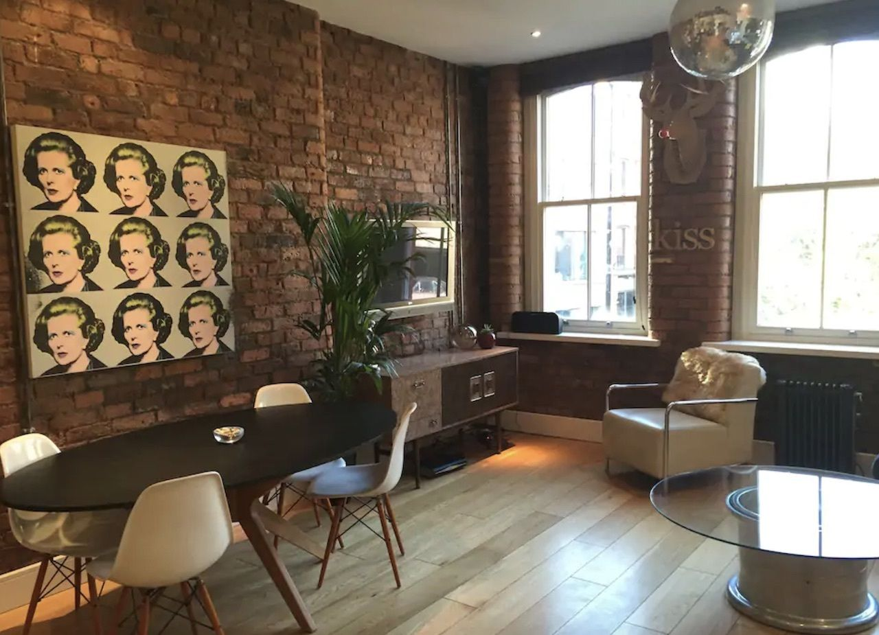Central city apartment with two kingsized beds, best airbnbs in Manchester