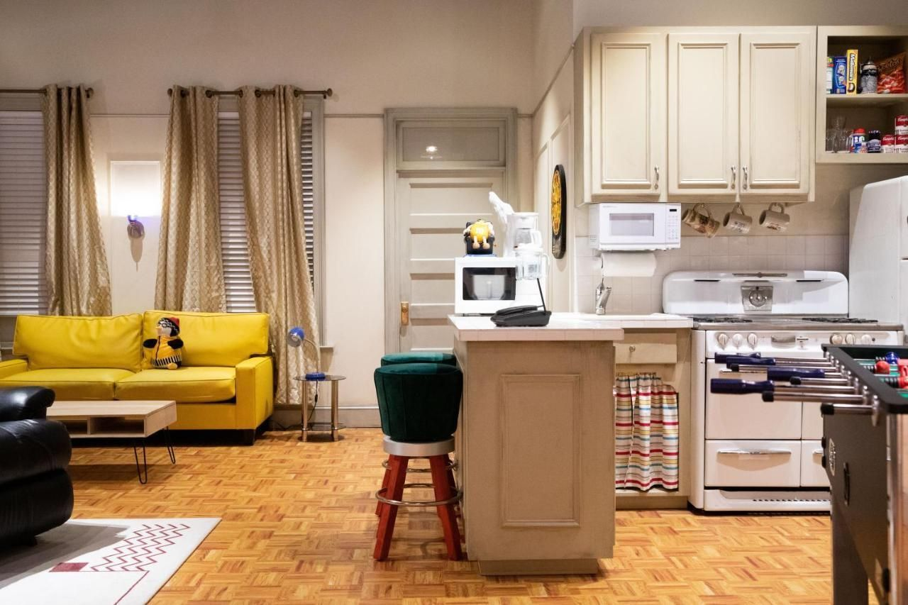 recreation of the set of Joey and Chandler's apartment in Friends, The Friends Experience NYC