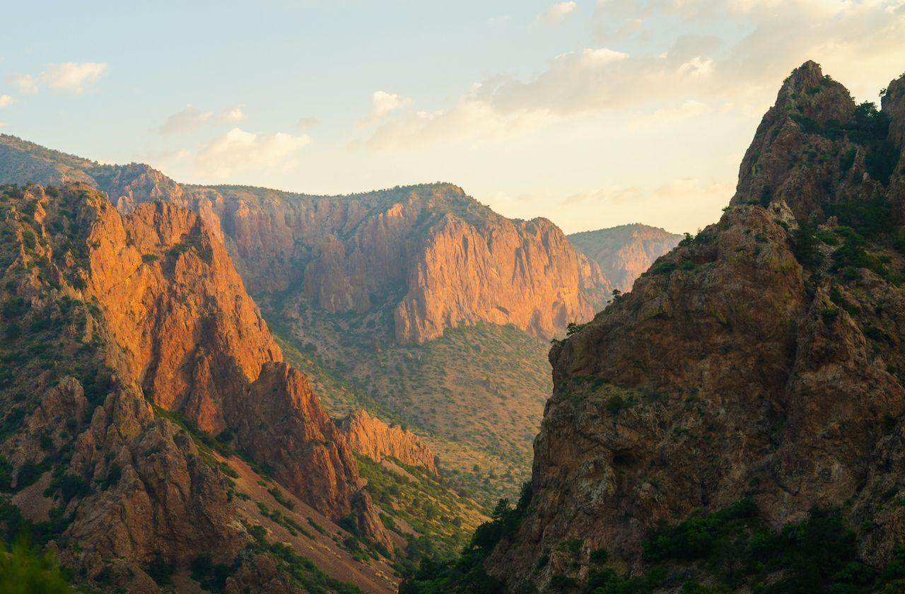 Chisos,Mountains,At,Sunrise,At,Big,Bend,National,Park