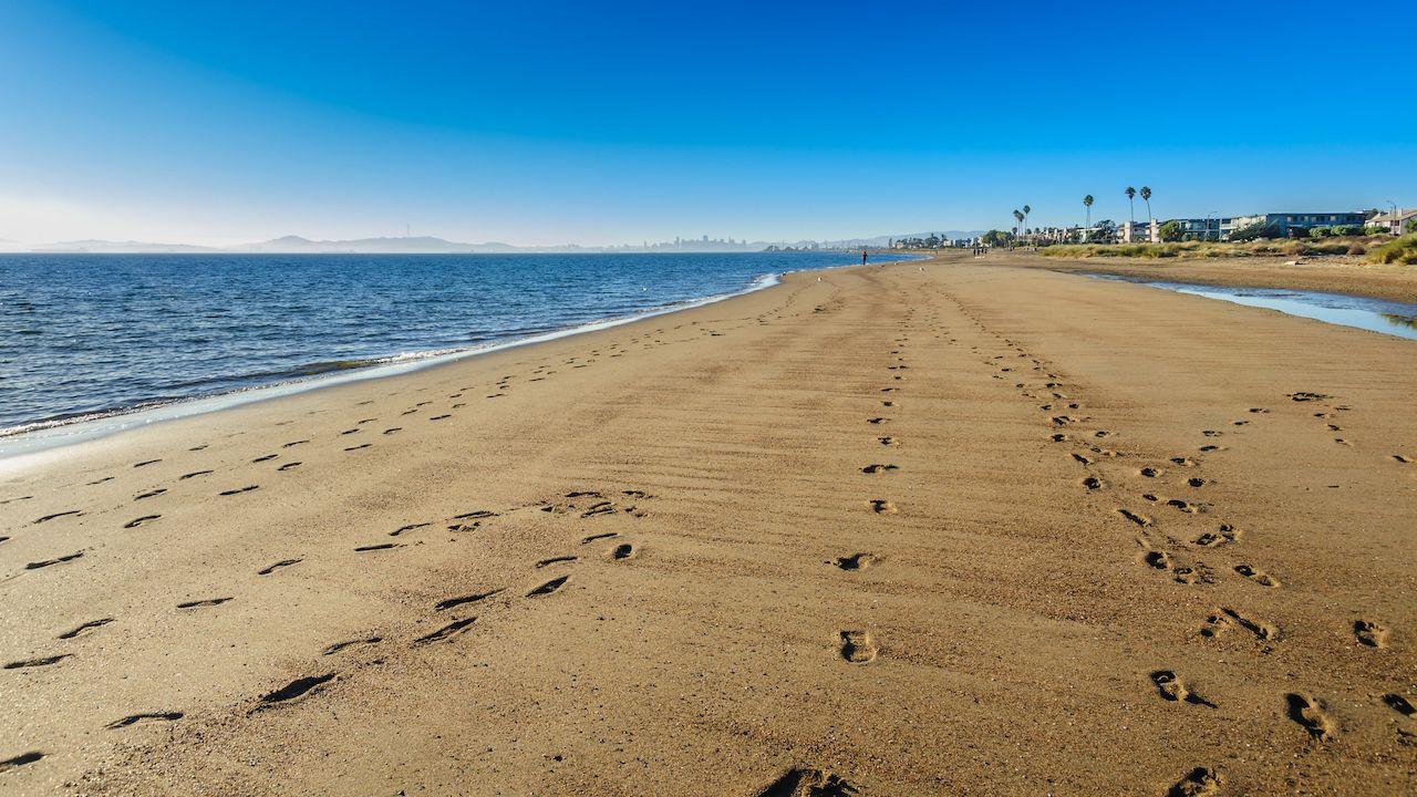 Crown Memorial State Beach in Alameda, California.,  Islands in San Francisco Bay