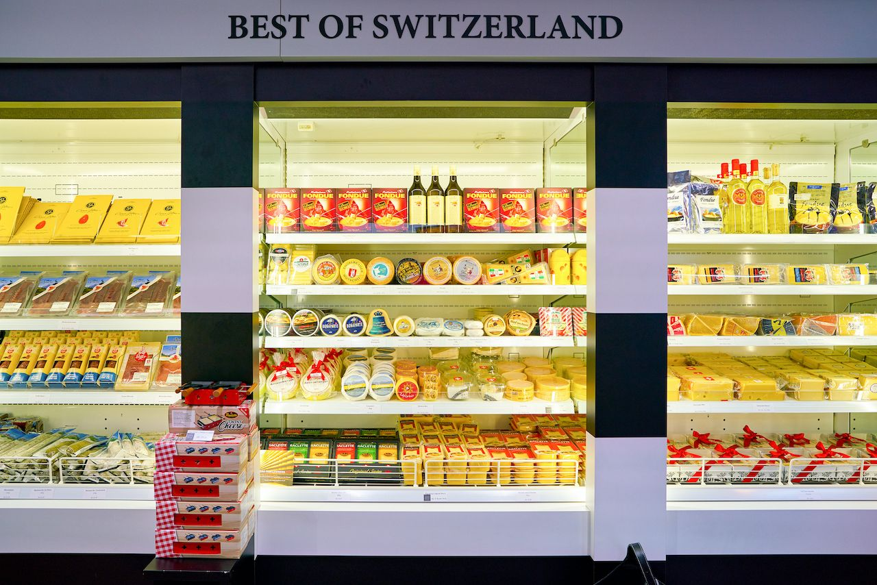 Cheeses On Display, Save money in Zurich