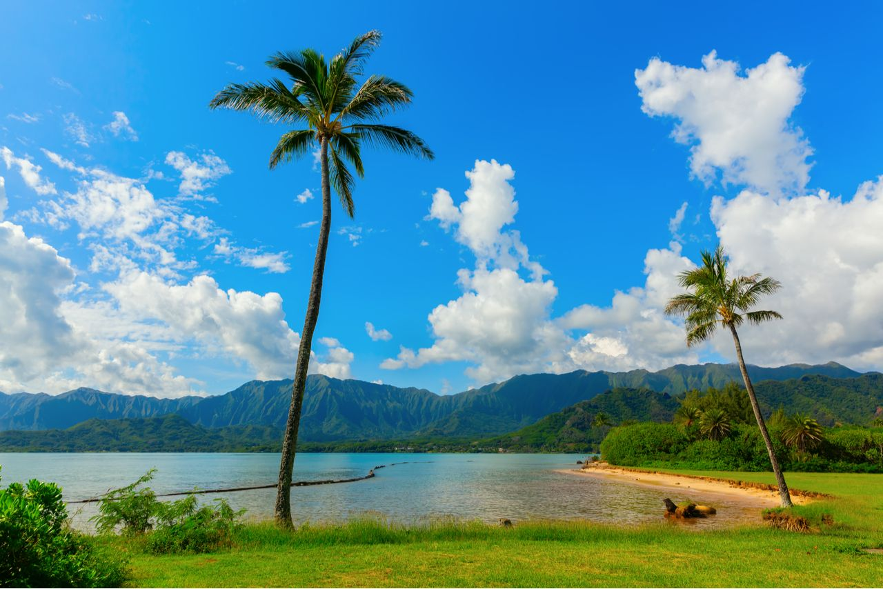 picture of a scenic view at Kualoa Regional Park in Oahu, Hawaii, Oahu beaches for families