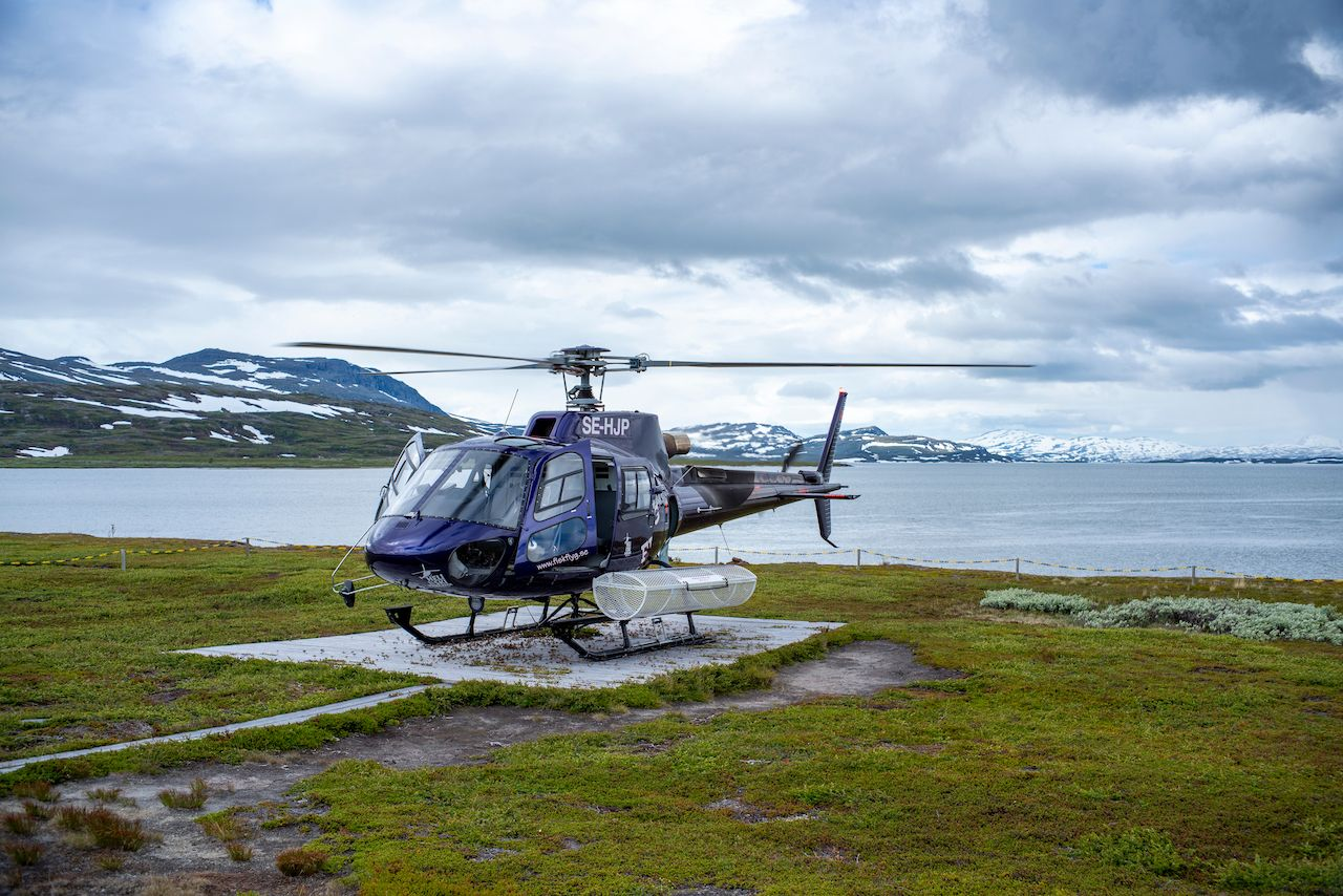 Staloluokta,,Sweden,-,July,2020:,Helicopter,Pilot,And,Crew,On