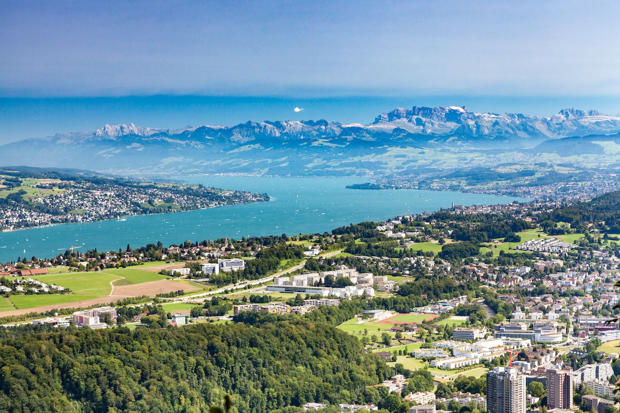 Lake Zurich Overlook From Uetliberg, Save money in Zurich