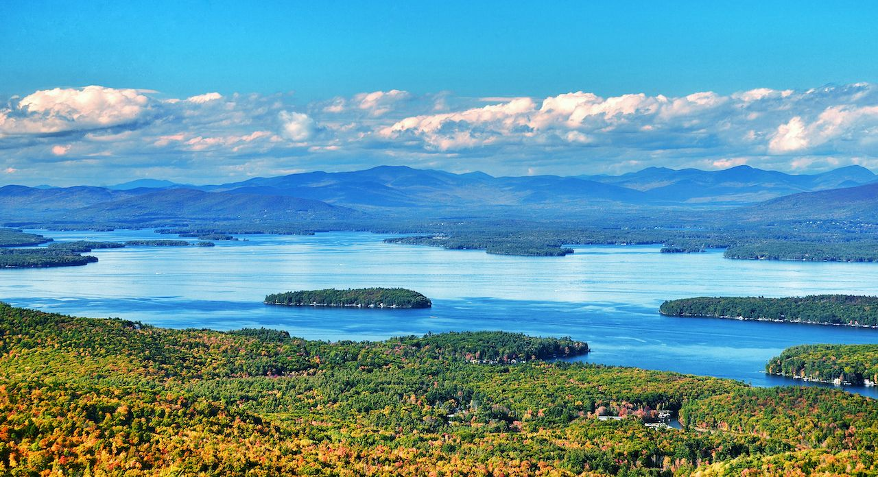 View,From,Mount,Major,In,New,Hampshire,With,Lake,Winnipesaukee