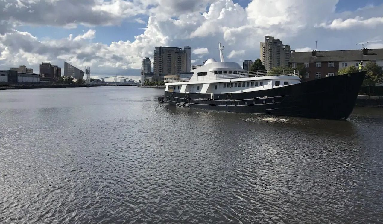 Classic Yacht, best airbnbs in Manchester