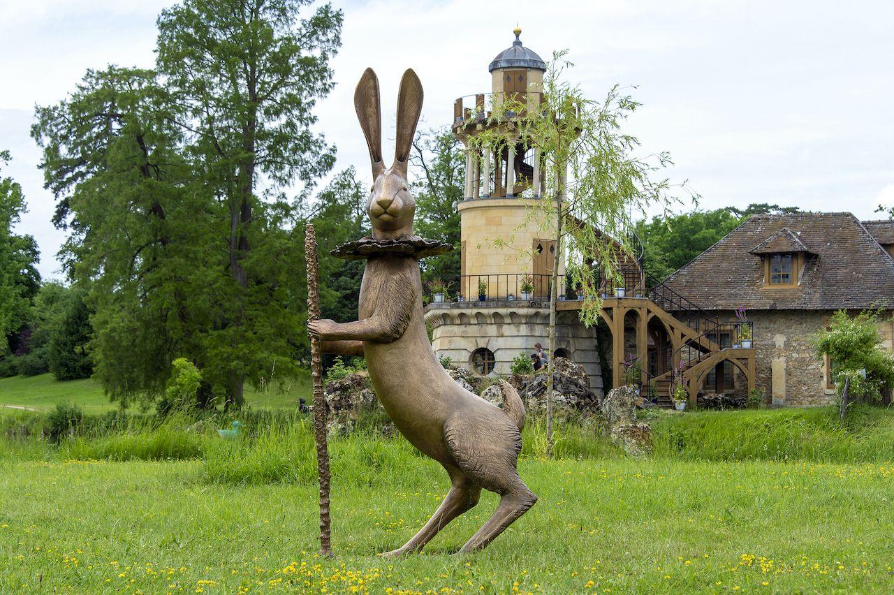Animal sculptures Versailles, Rabbit hare