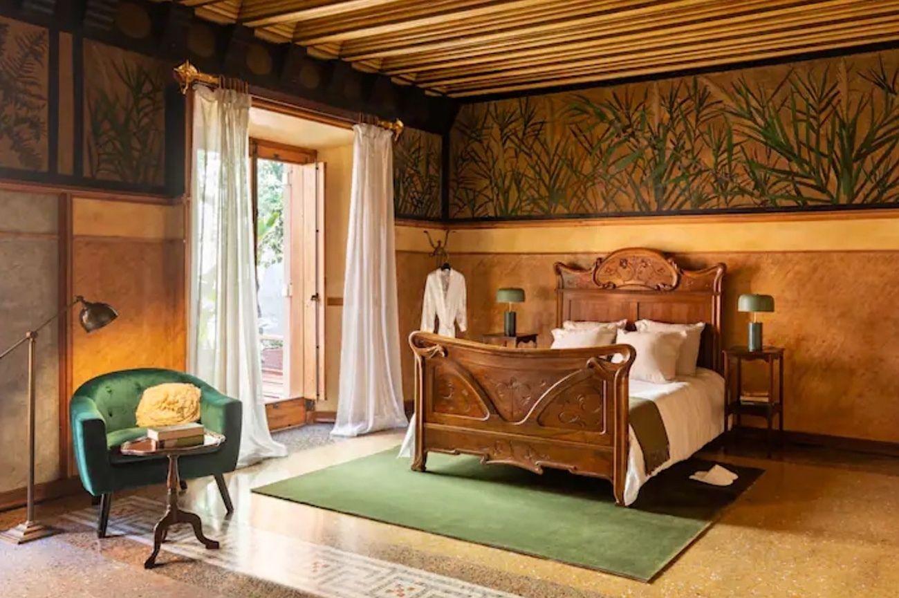 Antoni Gaudi house in Barcelona Airbnb bedroom