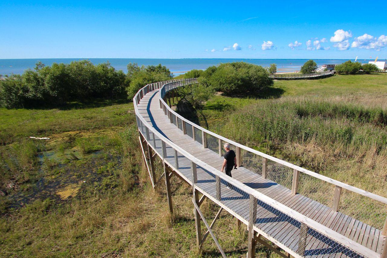 Parnu (Estonia) - Observation platform and beach, August travel