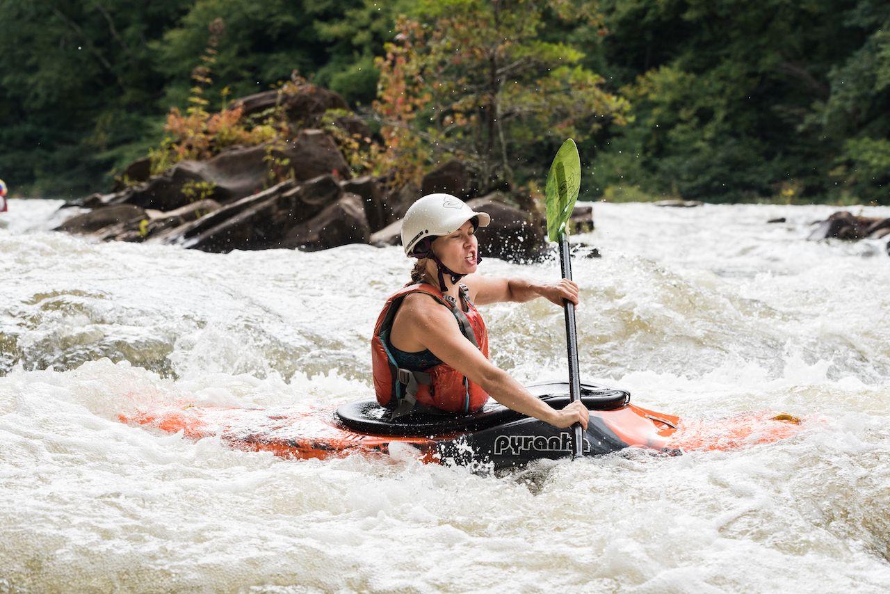 Ocoee,,Tn/usa,-,9/27/2020:,Kayaking,On,The,Middle,Ocoee,River, outdoor activities in Chattanooga