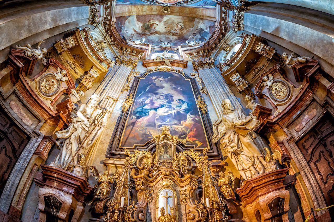 Prague,,Czech,Republic,-,May,28,,2017:,Baroque,Interior,Of, Malá Strana