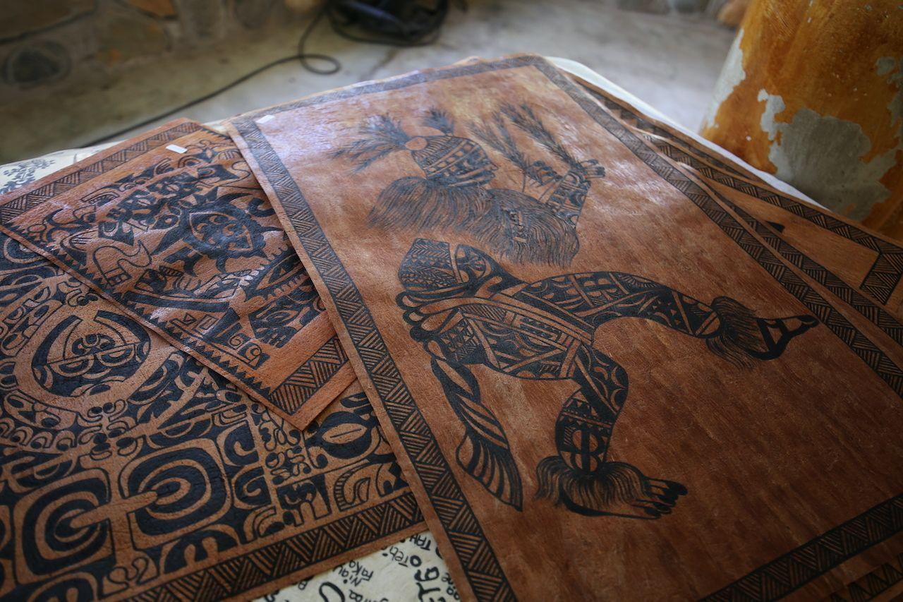 French Polynesia travel art of Tapa
