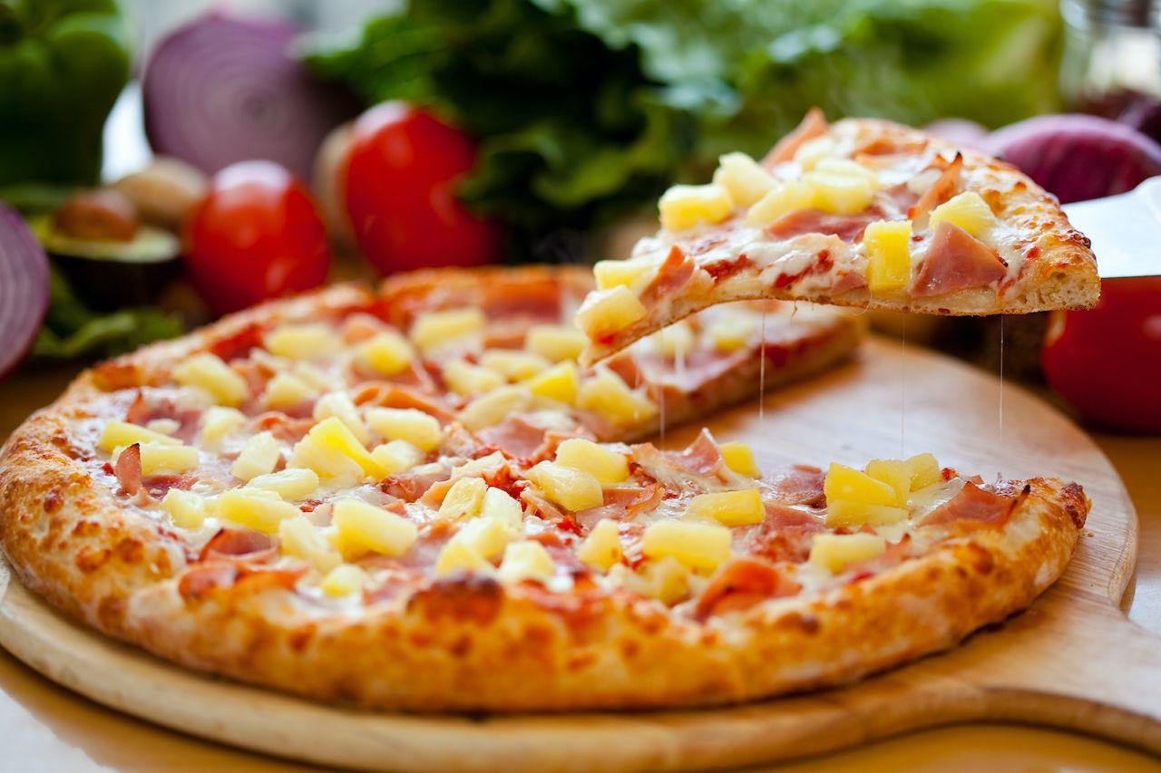 Hawaiian pizza, food names