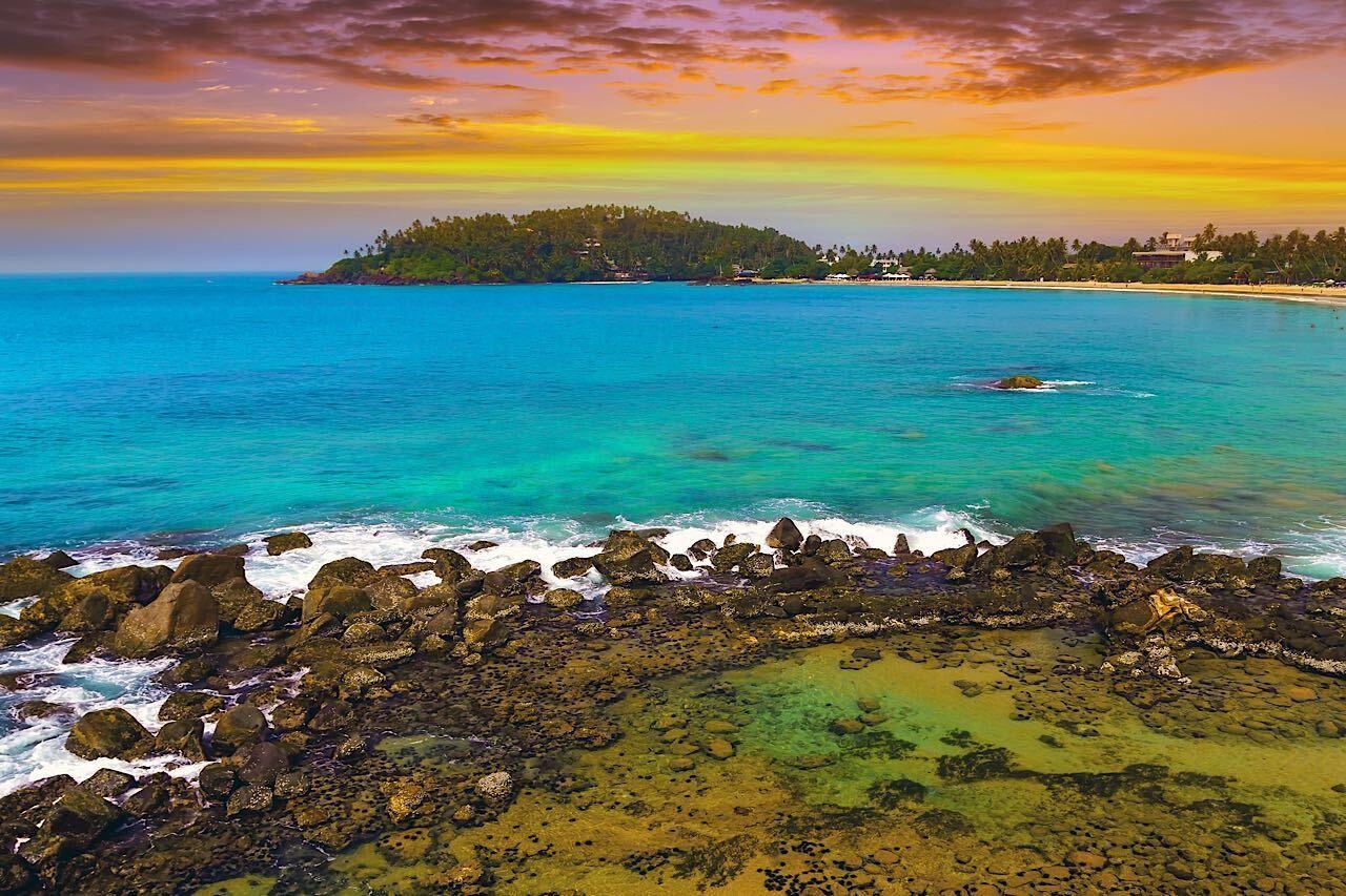 parrot-rock-sri-lanka-1780779368, Beaches in Sri Lanka
