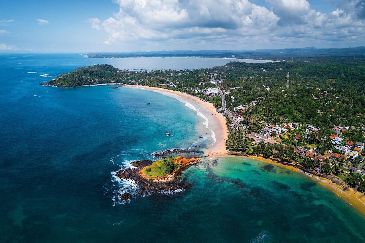 sri-lanka-beach-town-mirissa-769023574, Beaches in Sri Lanka