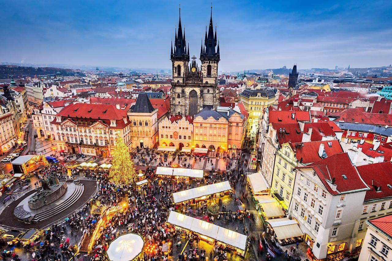 prague-christmas-markets-682398709