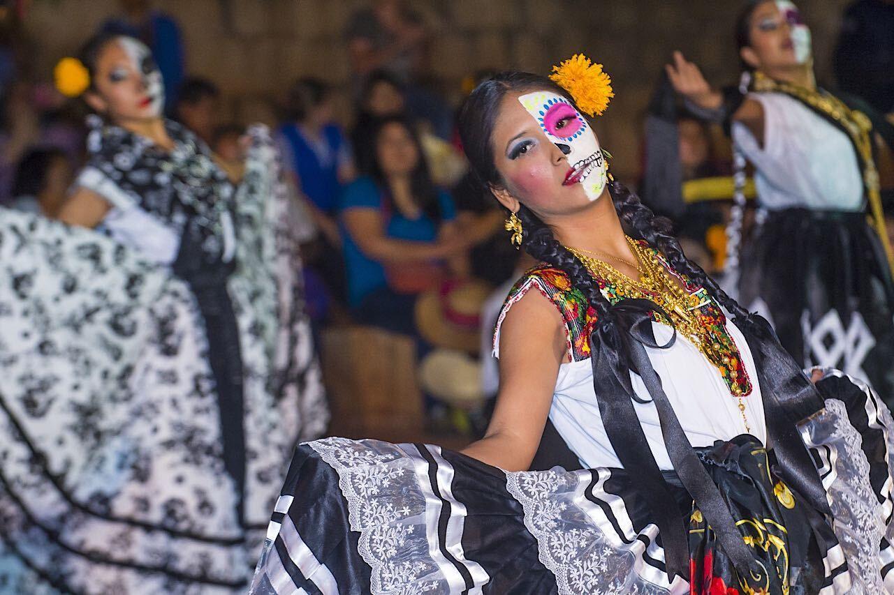 Oaxaca,,,Mexico,-,Nov,02,:,Unidentified,Participants,On, Mexico experience