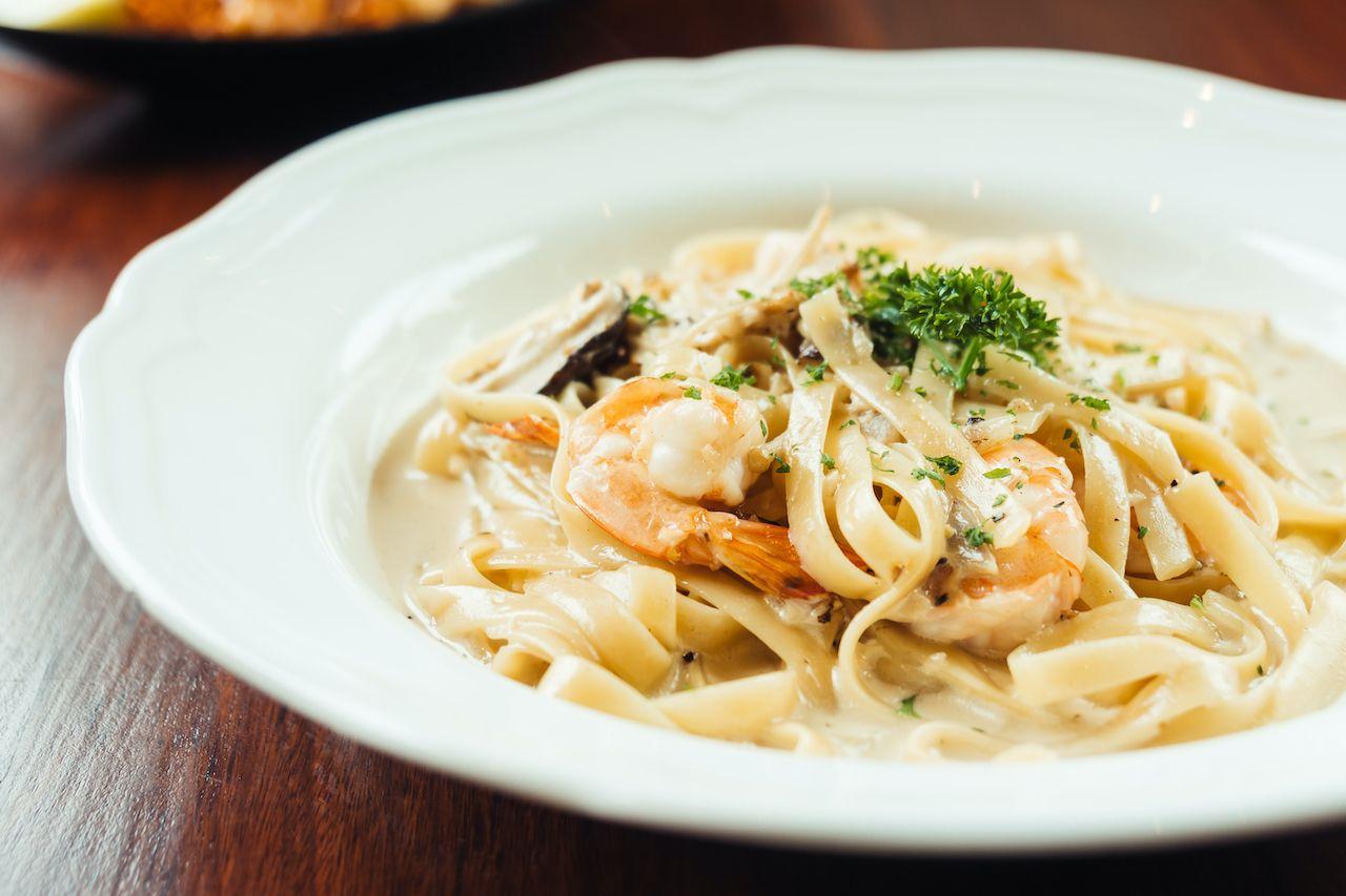 Fettucine,With,Shrimp,And,Mushroom,fettuccine alfredo