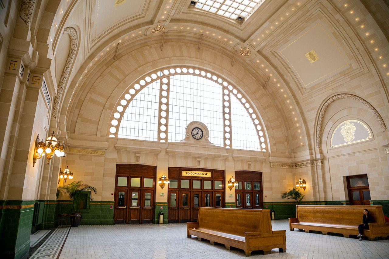 Seattle,,Washington,/,Usa,-,August,16th,2018:,King,Street, beautiful train stations