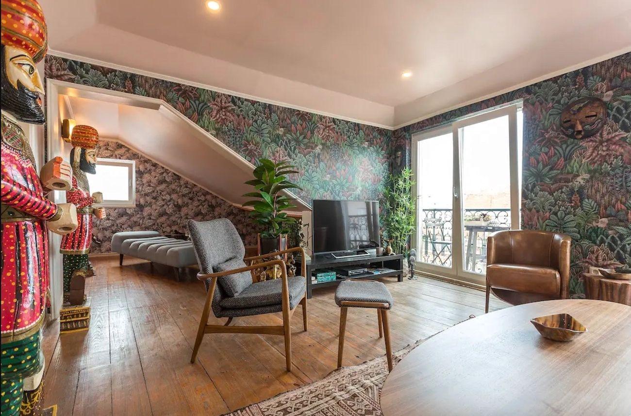 Stylish penthouse with amazing views, Lisbon Airbnb