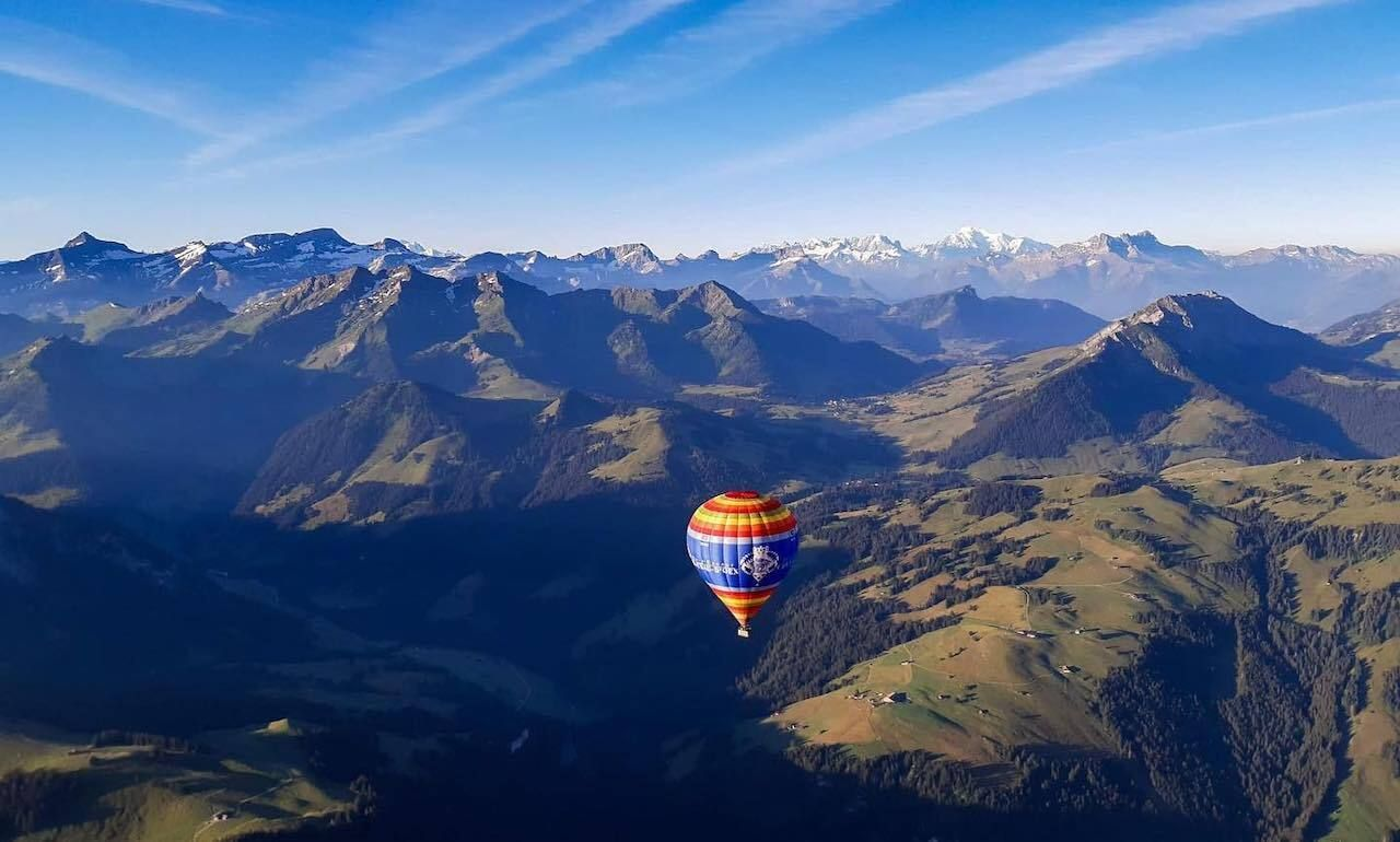 Take a hot air baloon ride during your one week in Switzerland, one week in Switzerland