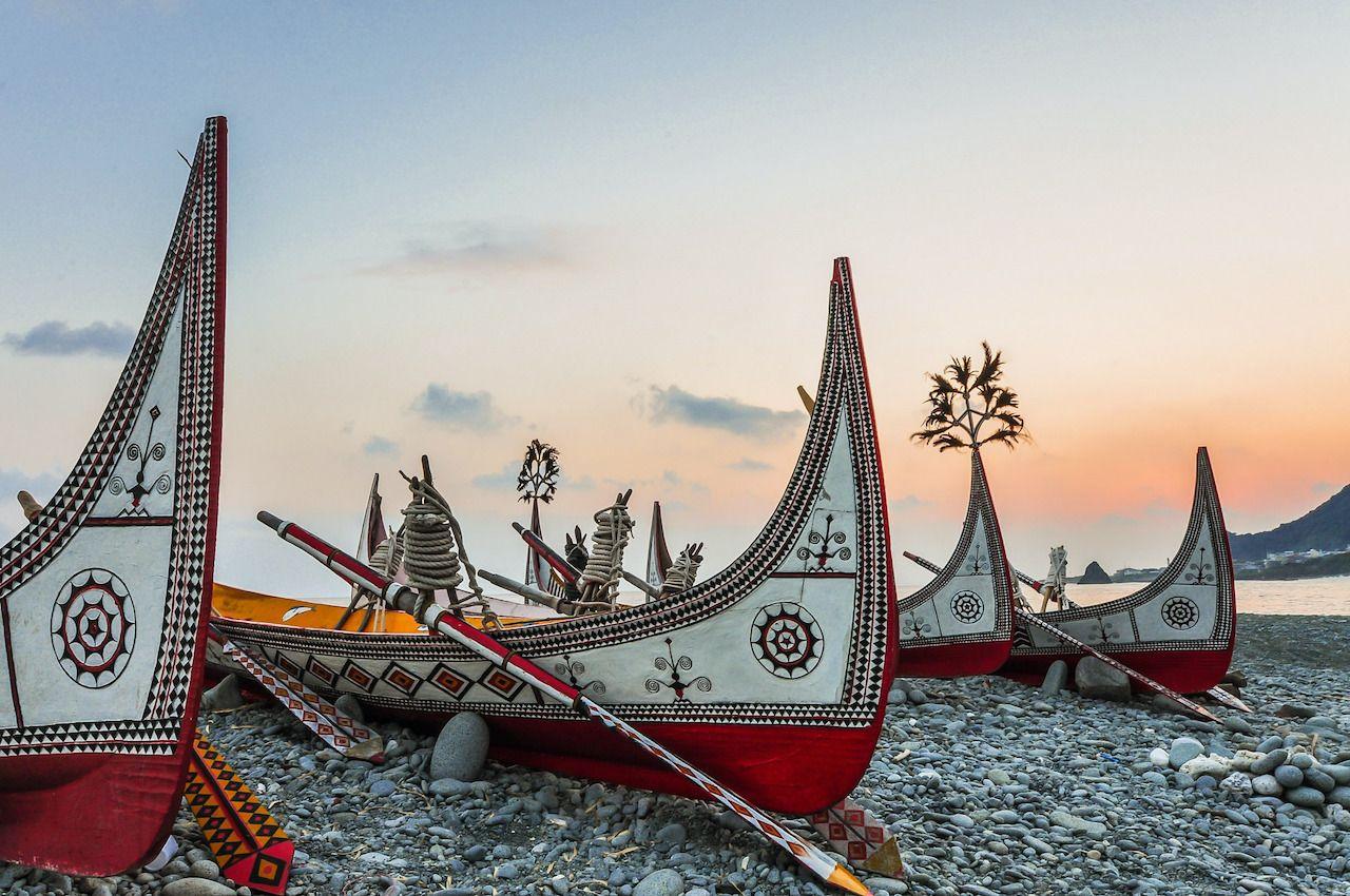 Yami's Aborigina Canoe,  Orchid Island taro