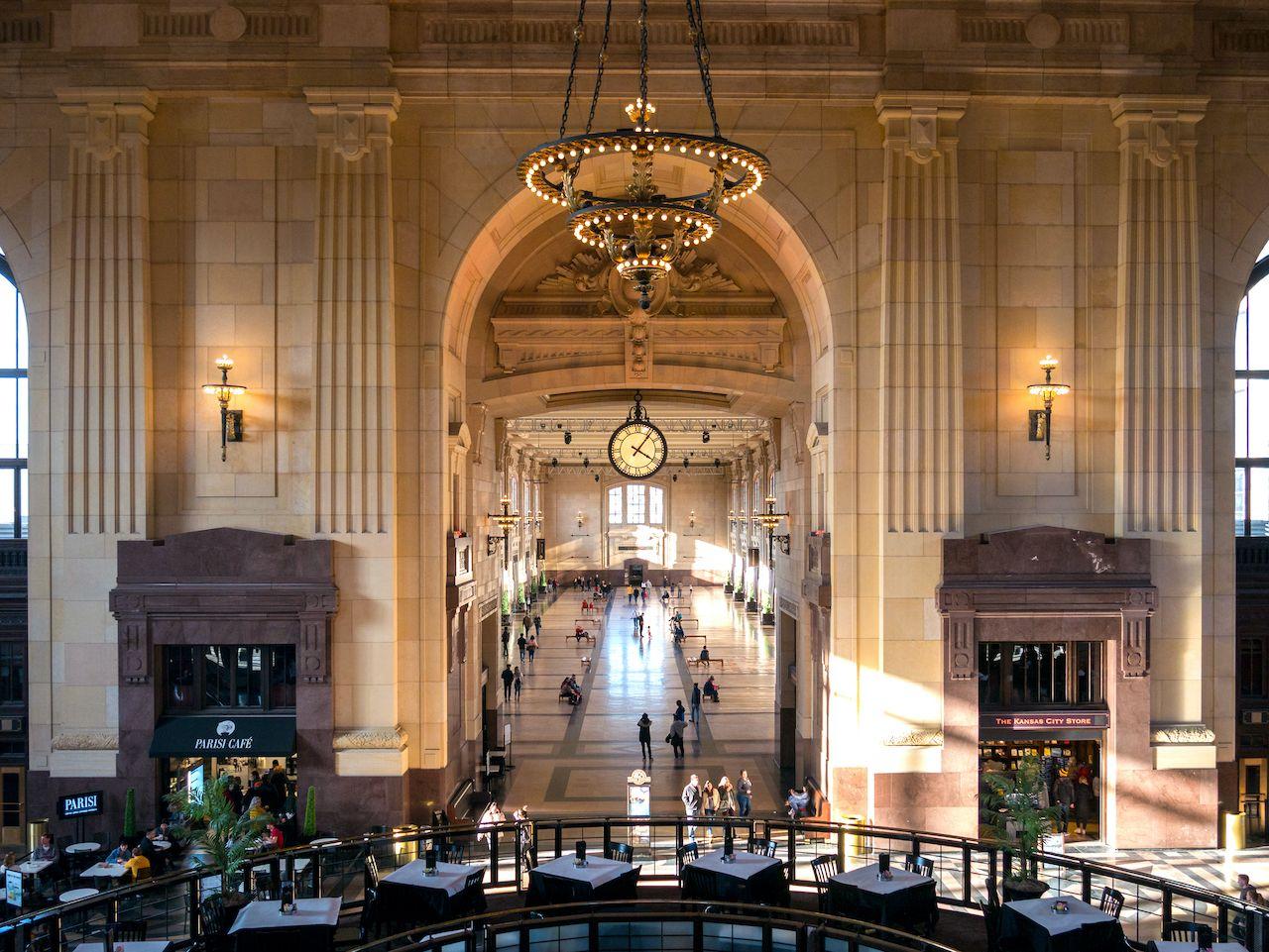 Kansas,City,,Mo,/,United,States,Of,America,-,February beautiful train stations