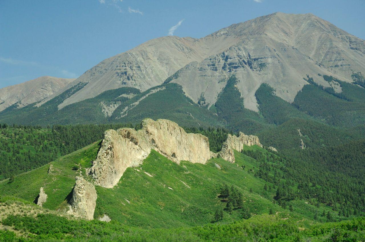 intrusive igneous dike, composed of syenite, West Spanish Peak, Colorado, SPanish peak