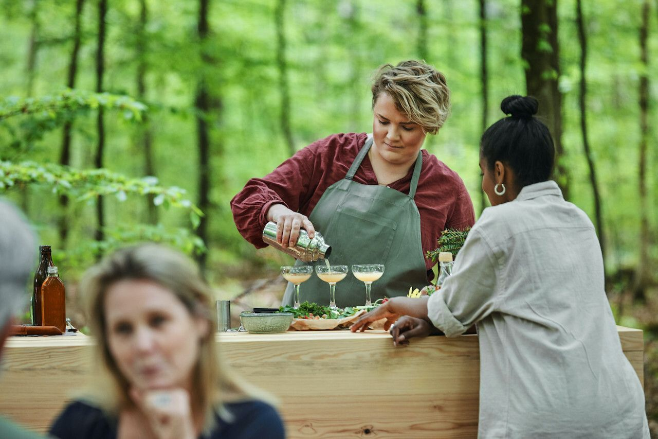 World's largest outdoor bar Sweden, beverage expert
