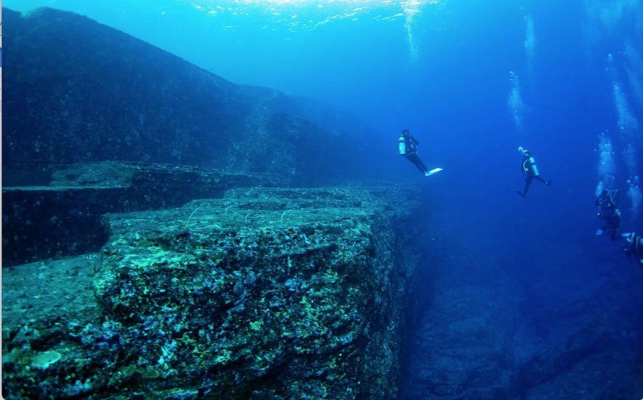 Yonaguni-Monument-Japan-Underwater-City, Underwater cities
