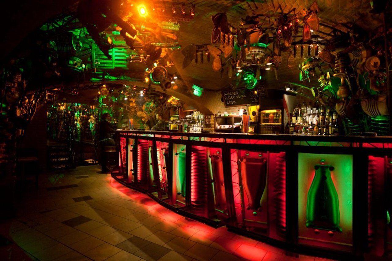 CROSS][CLUB - officiall, Prague bars