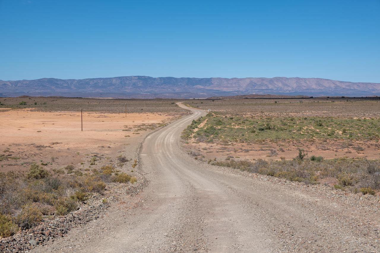 gravel roads Karoo, South African road trip