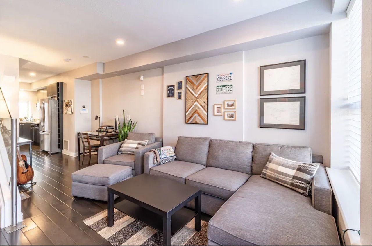 hottub, Airbnbs in Denver