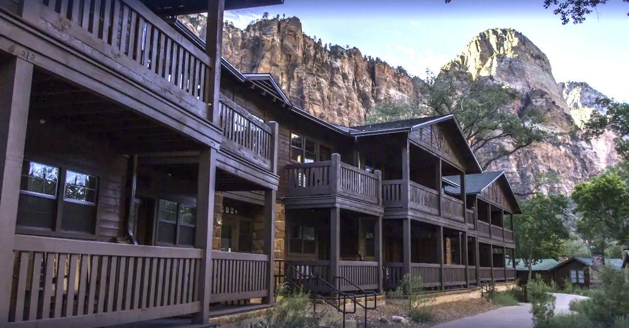 lodge lightened, Utah's national parks