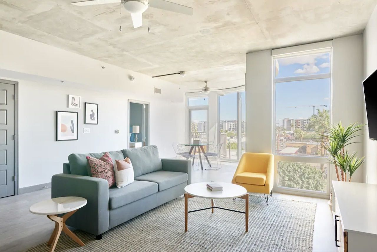 Modern Midtown apartment for small groups, phoenix airbnbs