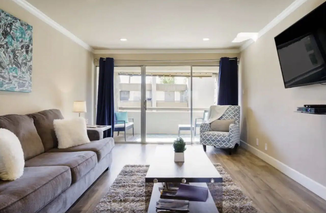 Chic condo with pool and hot tub near Old Town Scottsdale, phoenix Airbnbs