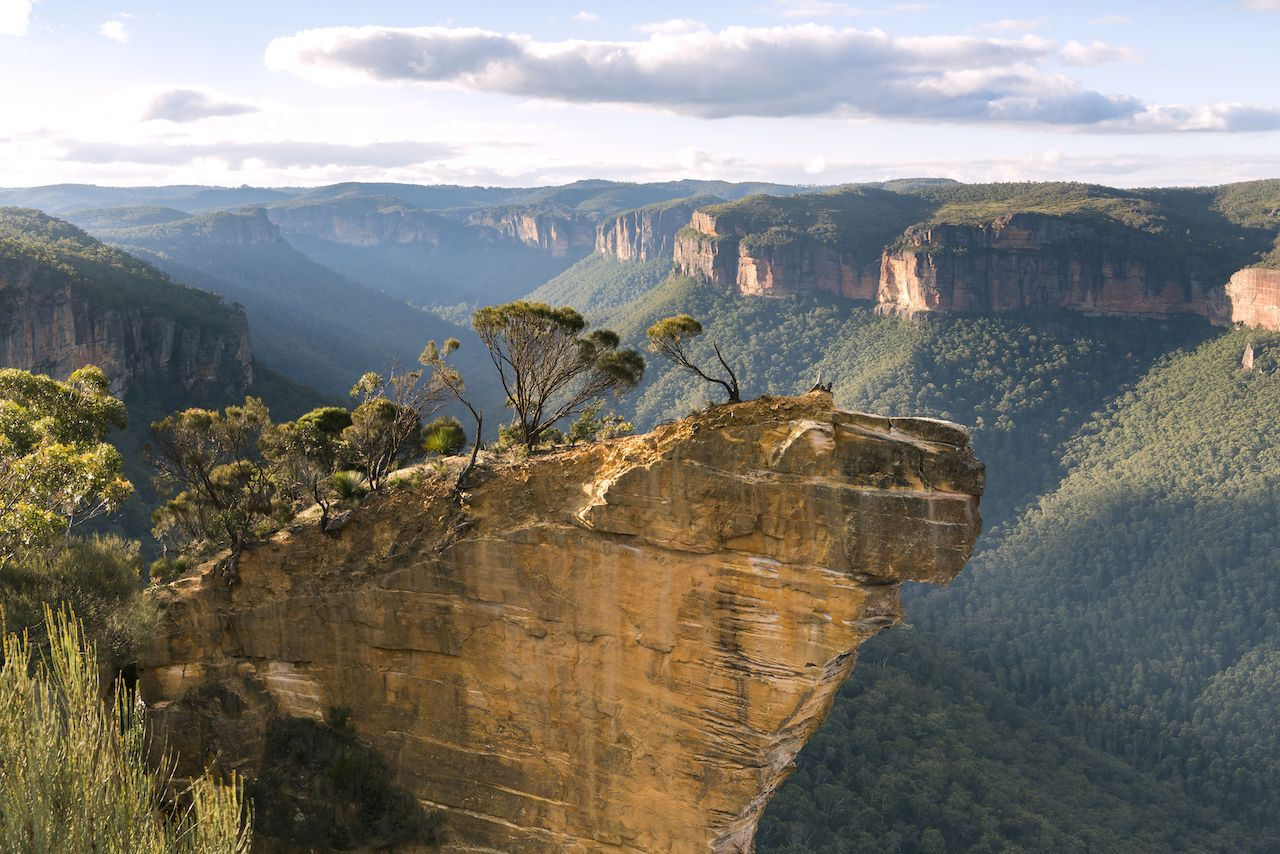Hanging,Rock,Lookout,,Blue,Mountains,,Australia, instagrammable national parks in Australia