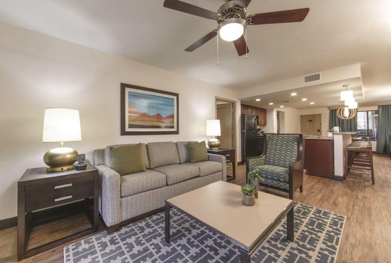 Southwest-themed villa in Scottsdale, phoenix Airbnbs