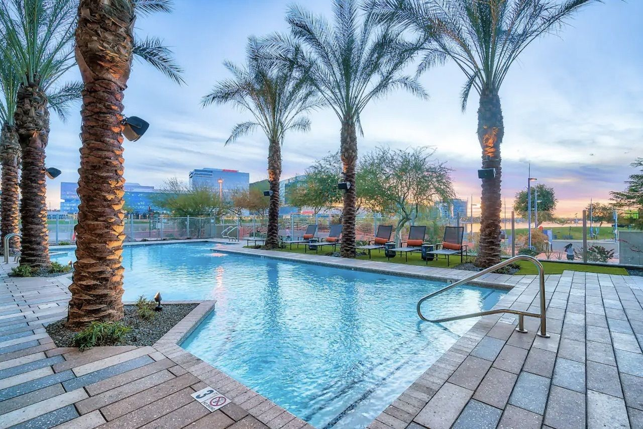 One-bedroom apartment with large pool, Phoenix Airbnbs
